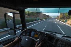 沃尔沃卡车驾驶室图片