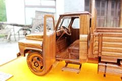东风EQ140手工黑胡桃木模型